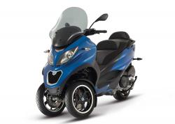 Reviewing 2014 Piaggio MP3 500 ABS ASR