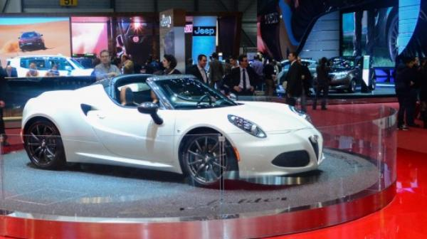 Alfa Romeo 4C Spider Is Ready For Production In 2015