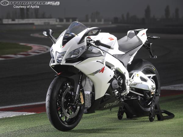 Aprilia Tuono V4R ABS Is Now Available In The UK Market