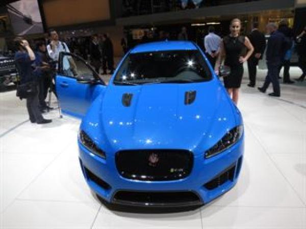 Jaguar shows off the XFR-S Sportbrake at Geneva Auto Show