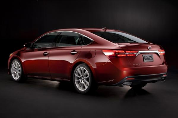 Toyota Avalon A Radical Drive