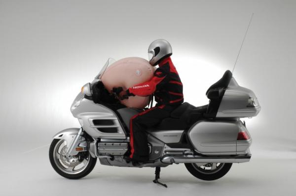 Wireless airbag riding jackets for Ducati production motorcycles