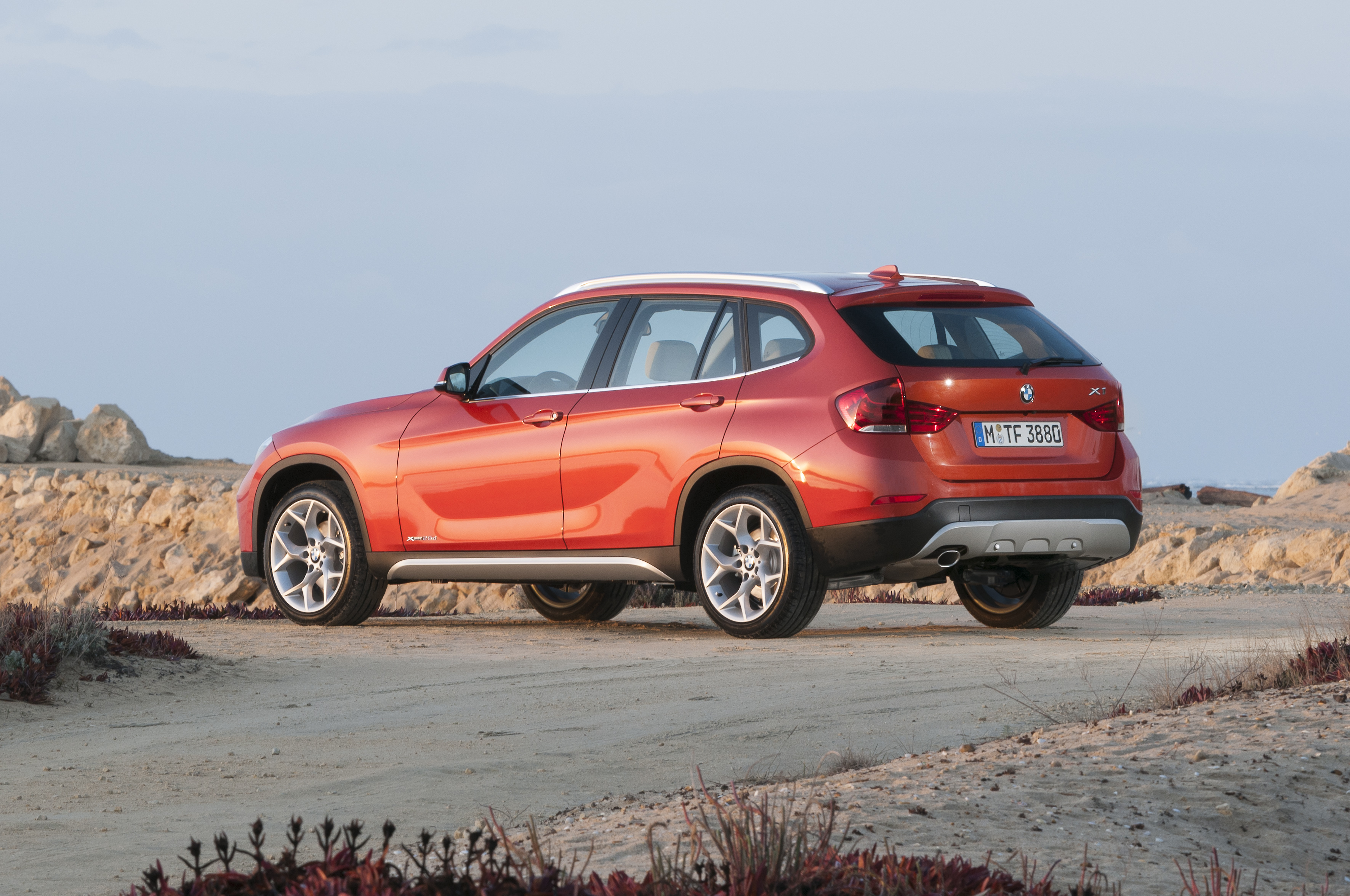 bmw wallpaper (BMW X1)