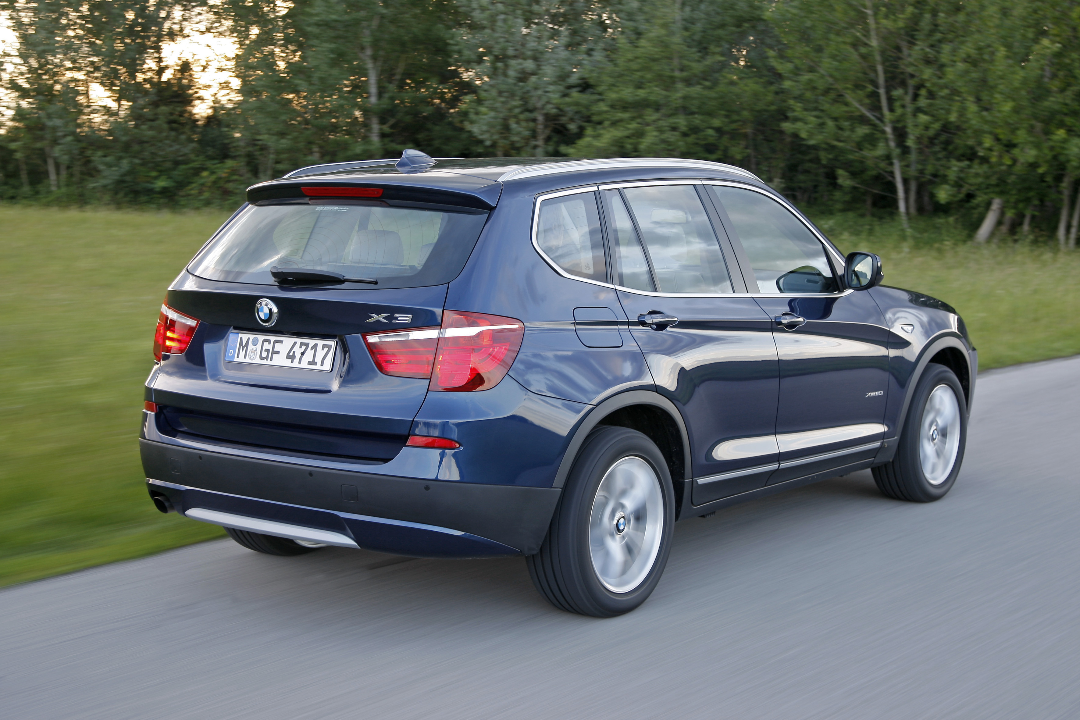 bmw wallpaper (BMW X3)