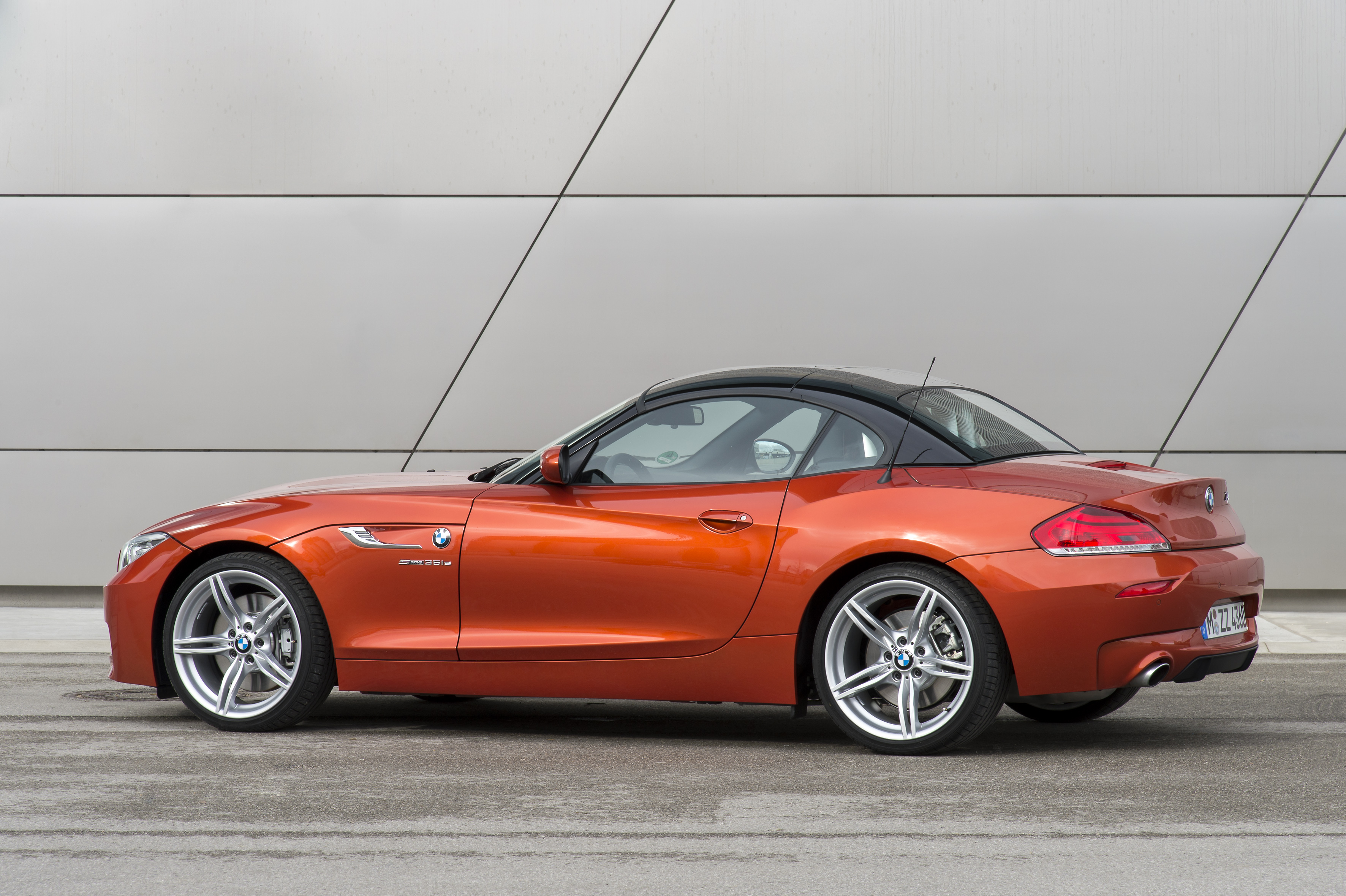 bmw wallpaper (BMW Z4)