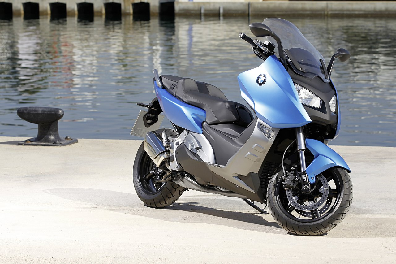 bmw c600 sport review and photos. Black Bedroom Furniture Sets. Home Design Ideas