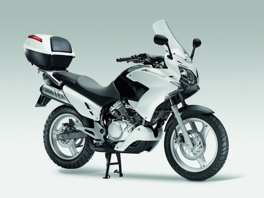honda xl125v varadero review and photos. Black Bedroom Furniture Sets. Home Design Ideas