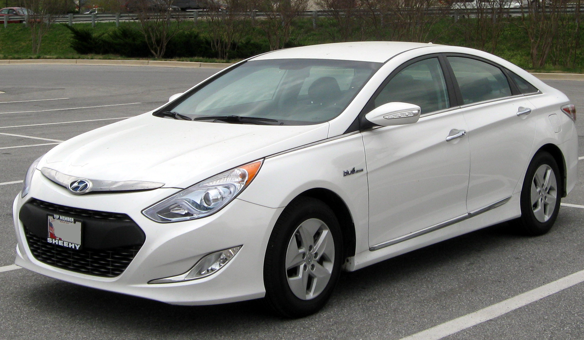 hyundai sonata review and photos. Black Bedroom Furniture Sets. Home Design Ideas