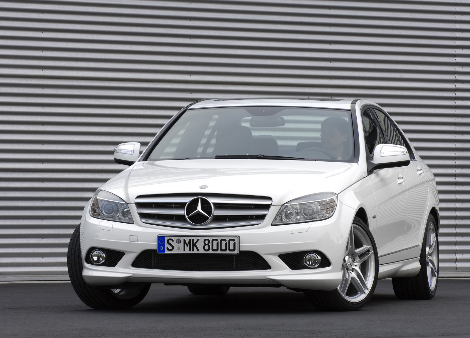 Mercedes benz c class review and photos for Mercedes benz c class pictures