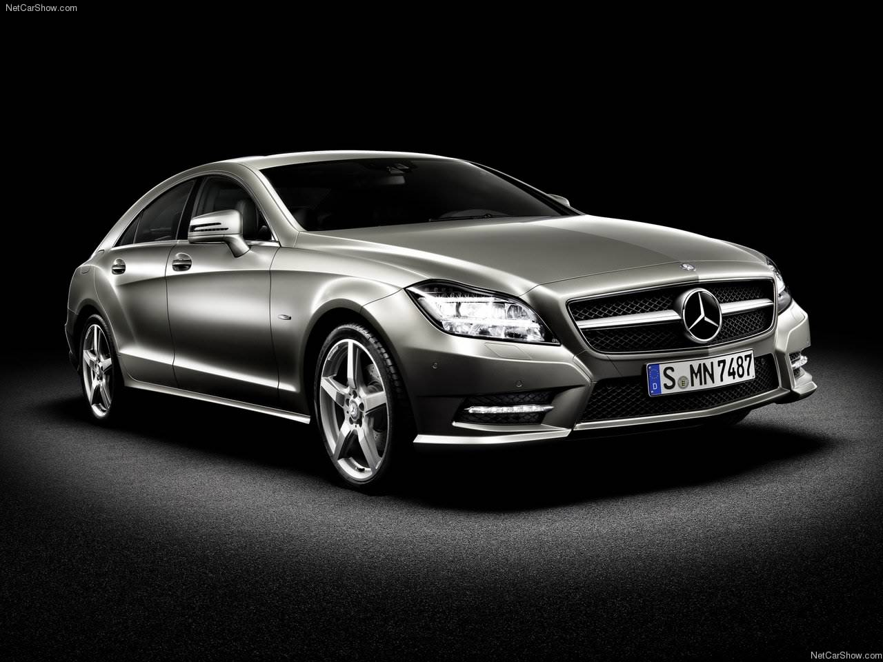 mercedes benz cls class review and photos. Black Bedroom Furniture Sets. Home Design Ideas