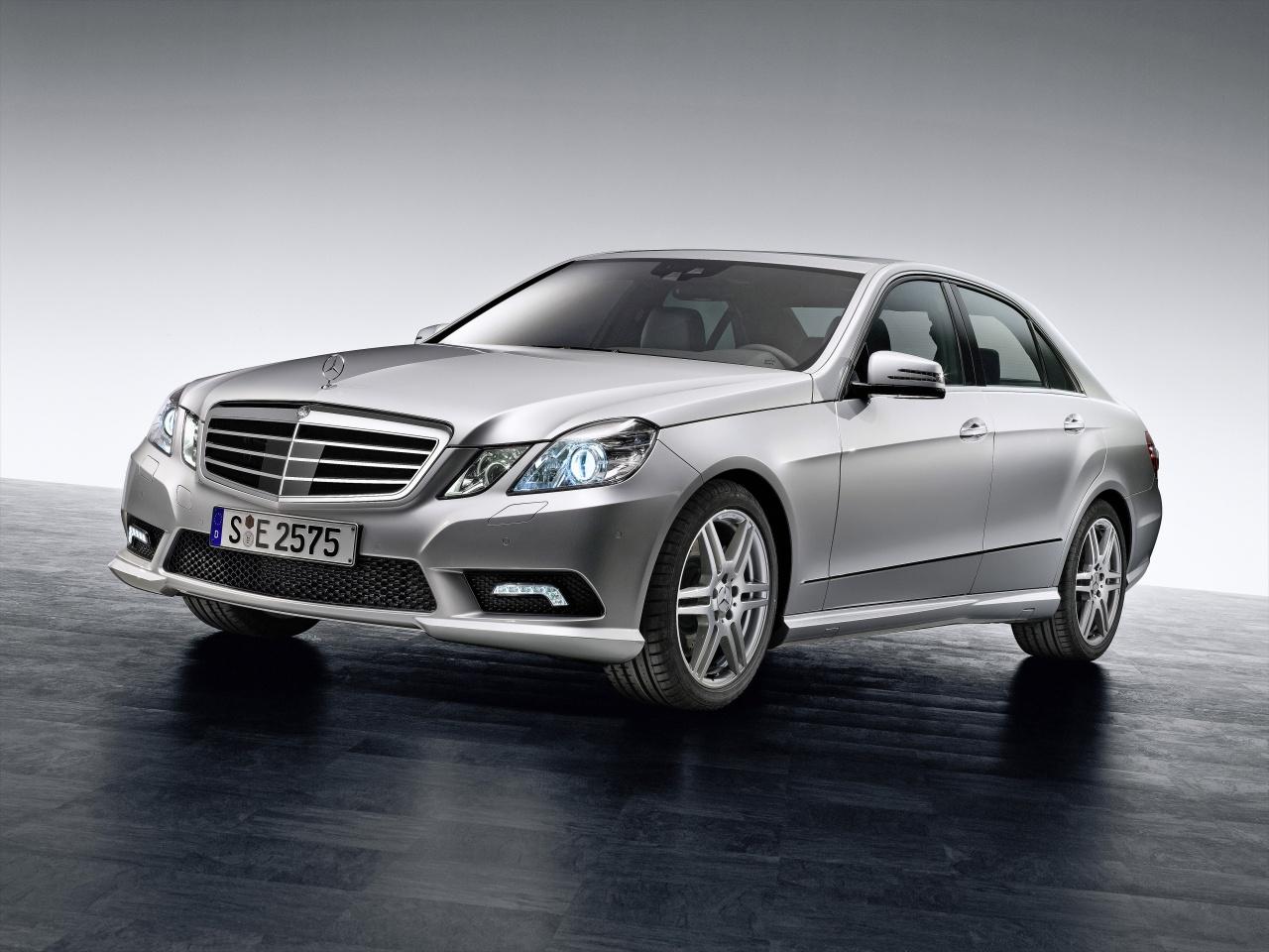 Mercedes-Benz E-Class L (2014) - pictures, information & specs