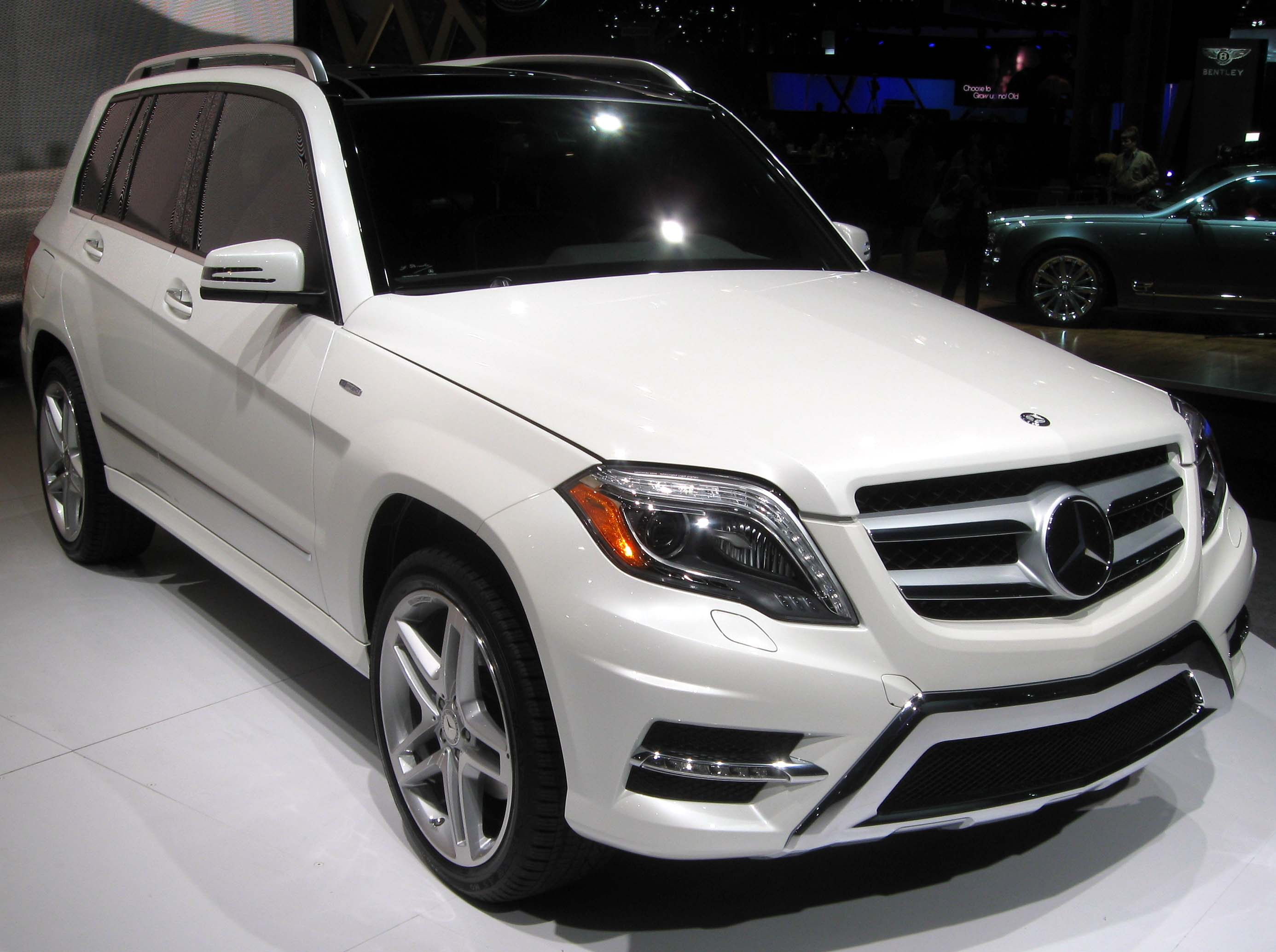 mercedes htm continental in for gla owned volvo sale featured benz suv cars ak anchorage pre vehicles