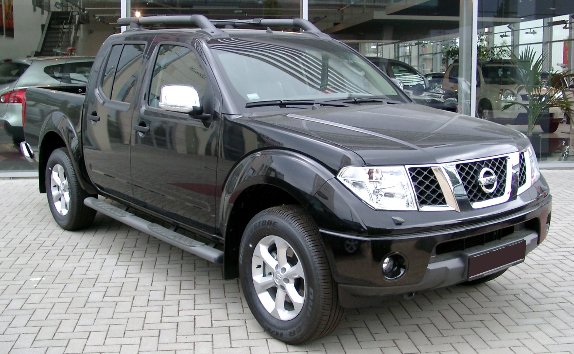 nissan navara review and photos. Black Bedroom Furniture Sets. Home Design Ideas