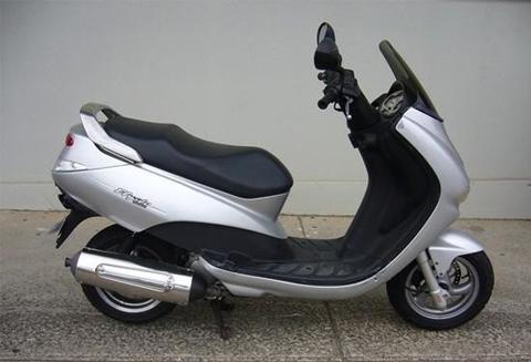 Peugeot Elyseo