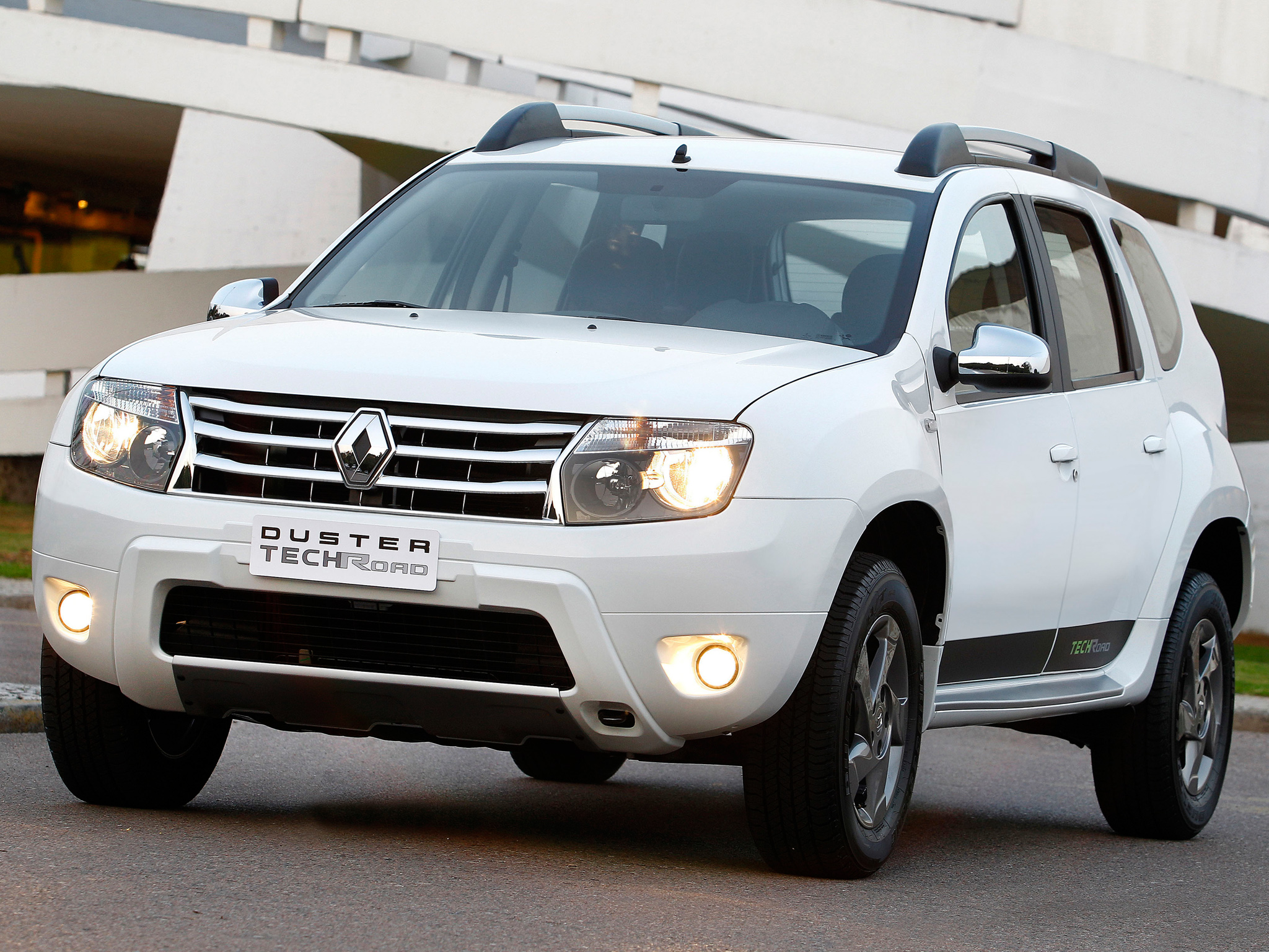 renault duster review and photos. Black Bedroom Furniture Sets. Home Design Ideas