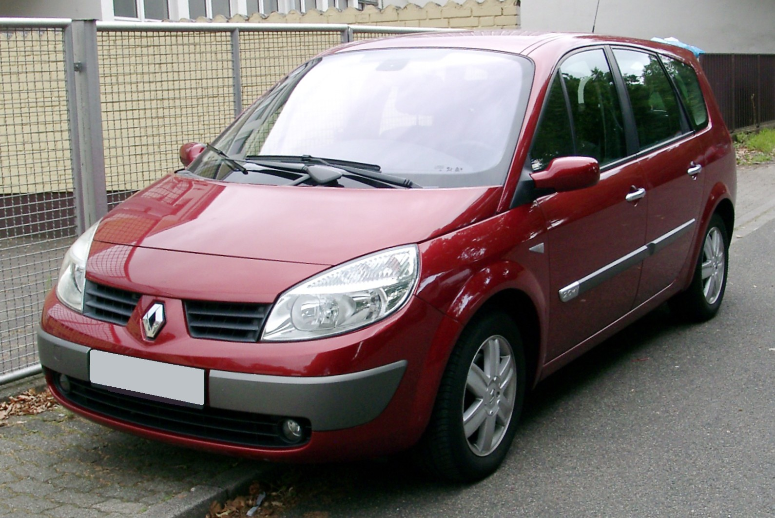 renault scenic review and photos. Black Bedroom Furniture Sets. Home Design Ideas