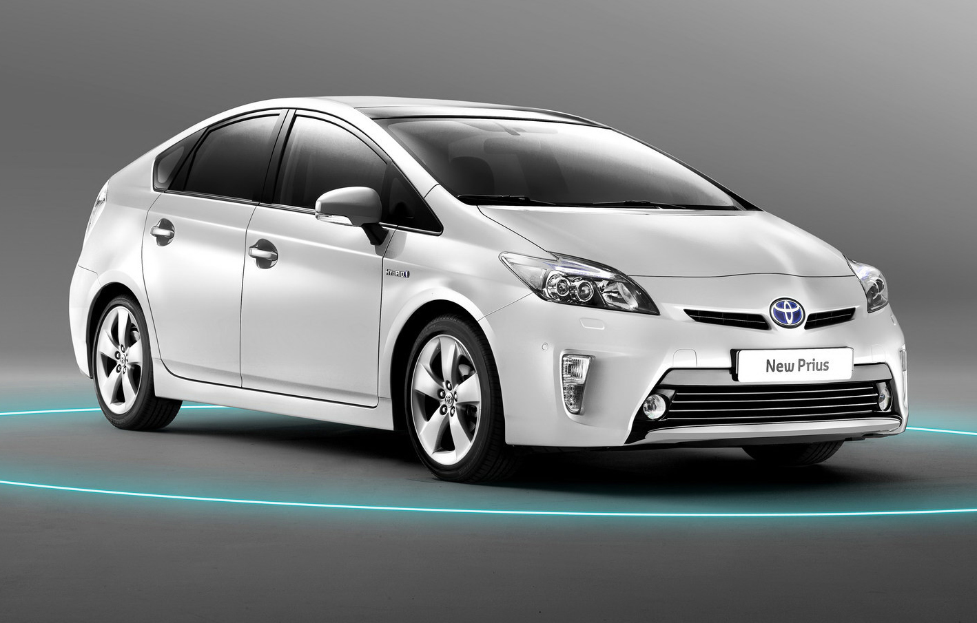 toyota prius review and photos. Black Bedroom Furniture Sets. Home Design Ideas