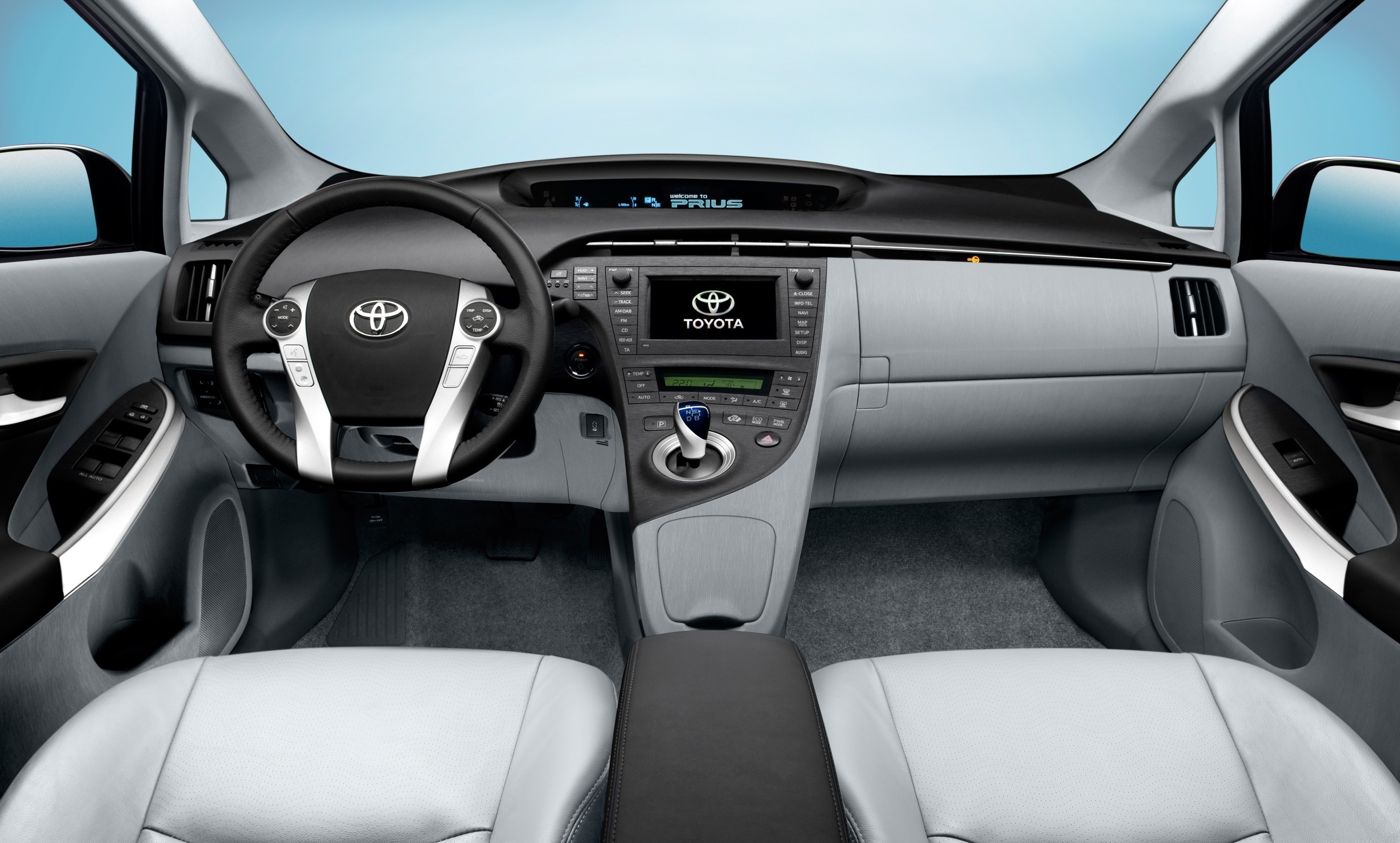 TOYOTA PRIUS Review and photos