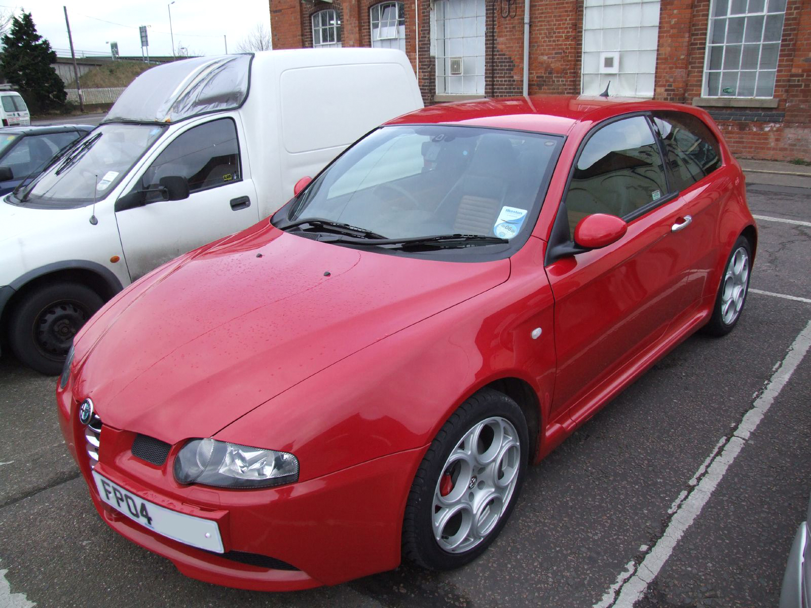 ALFA ROMEO 147 red