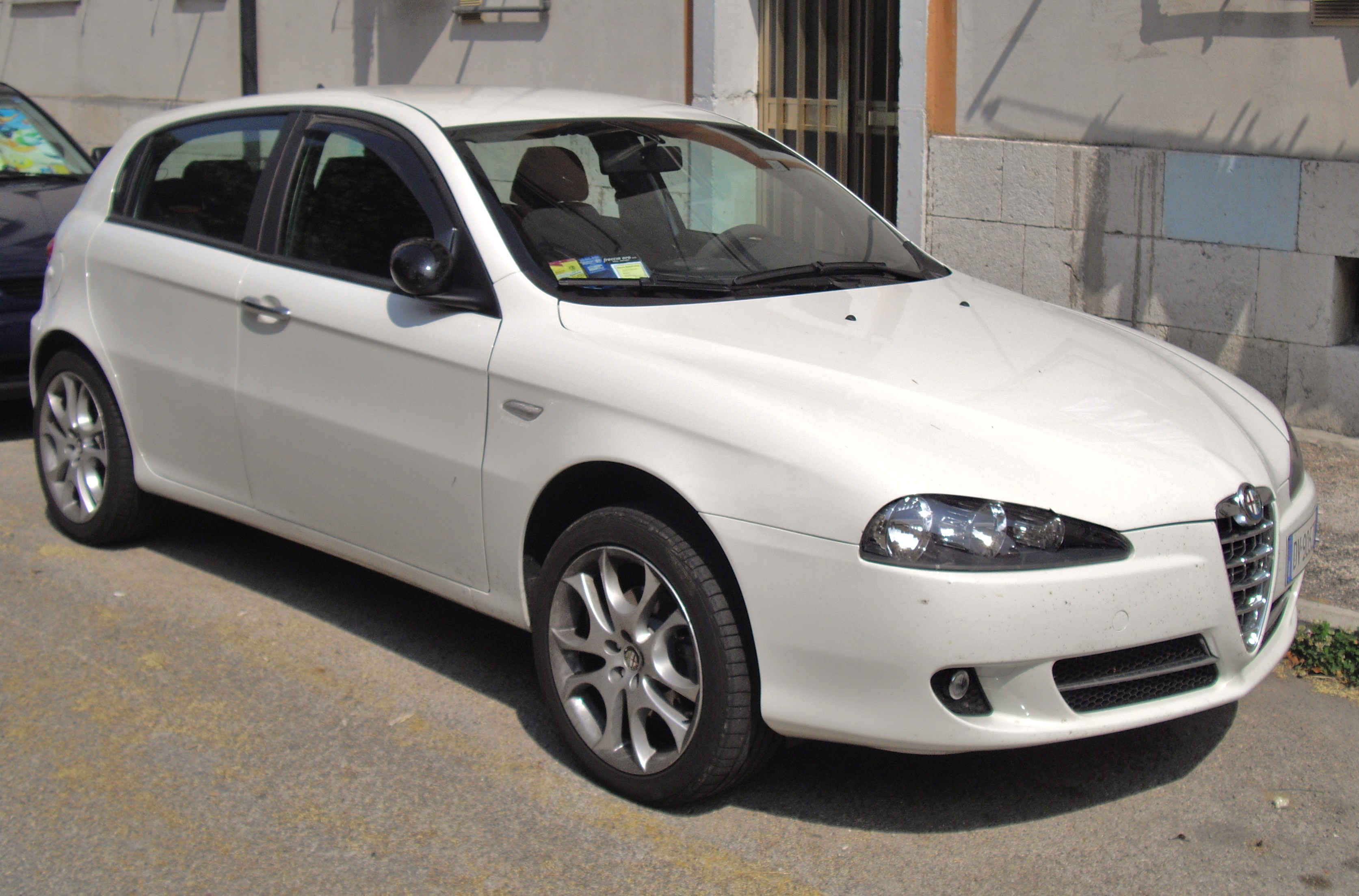 alfa romeo 147 white - photo #6