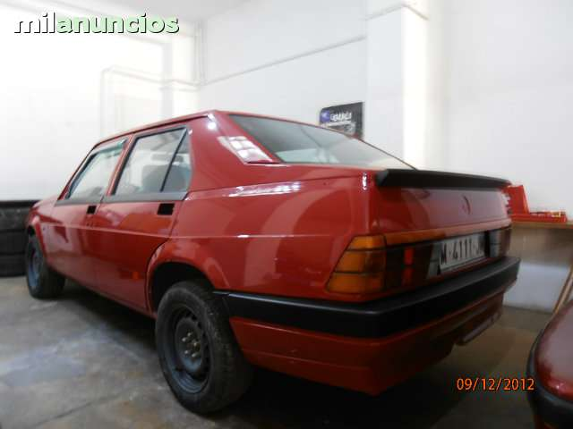 ALFA ROMEO 75 2.0 red