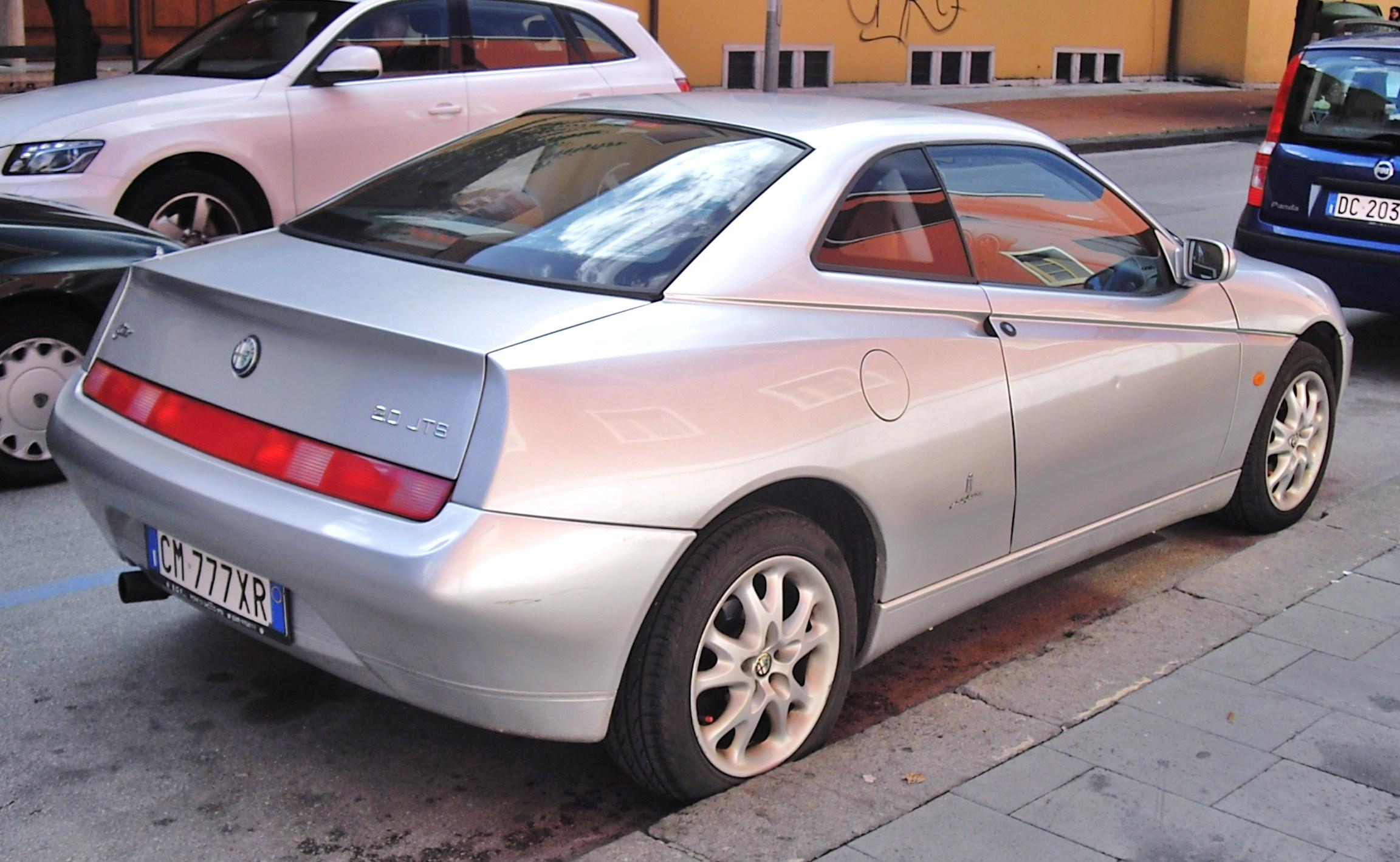 ALFA ROMEO GTV silver
