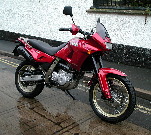 APRILIA PEGASO red