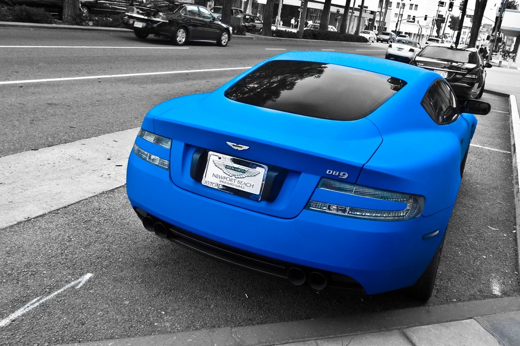 ASTON MARTIN DB9 blue