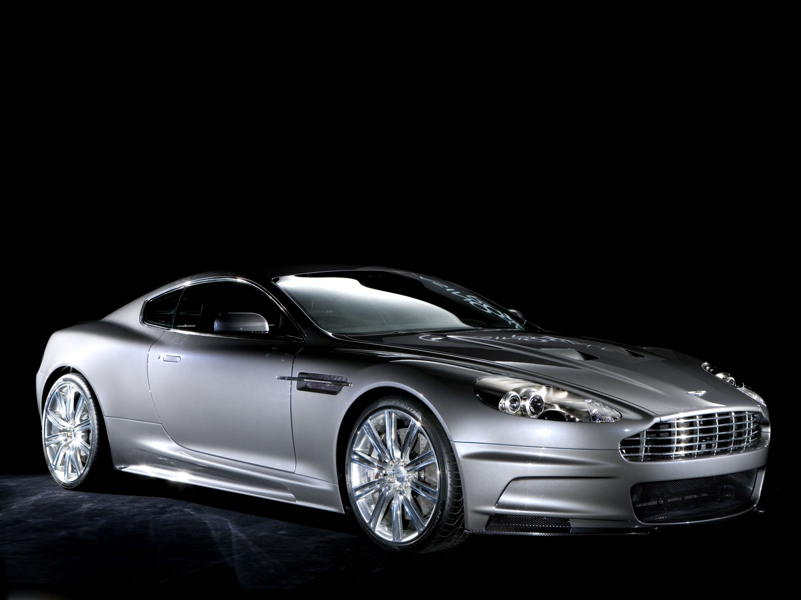 aston martin wallpaper (Aston Martin DBS)