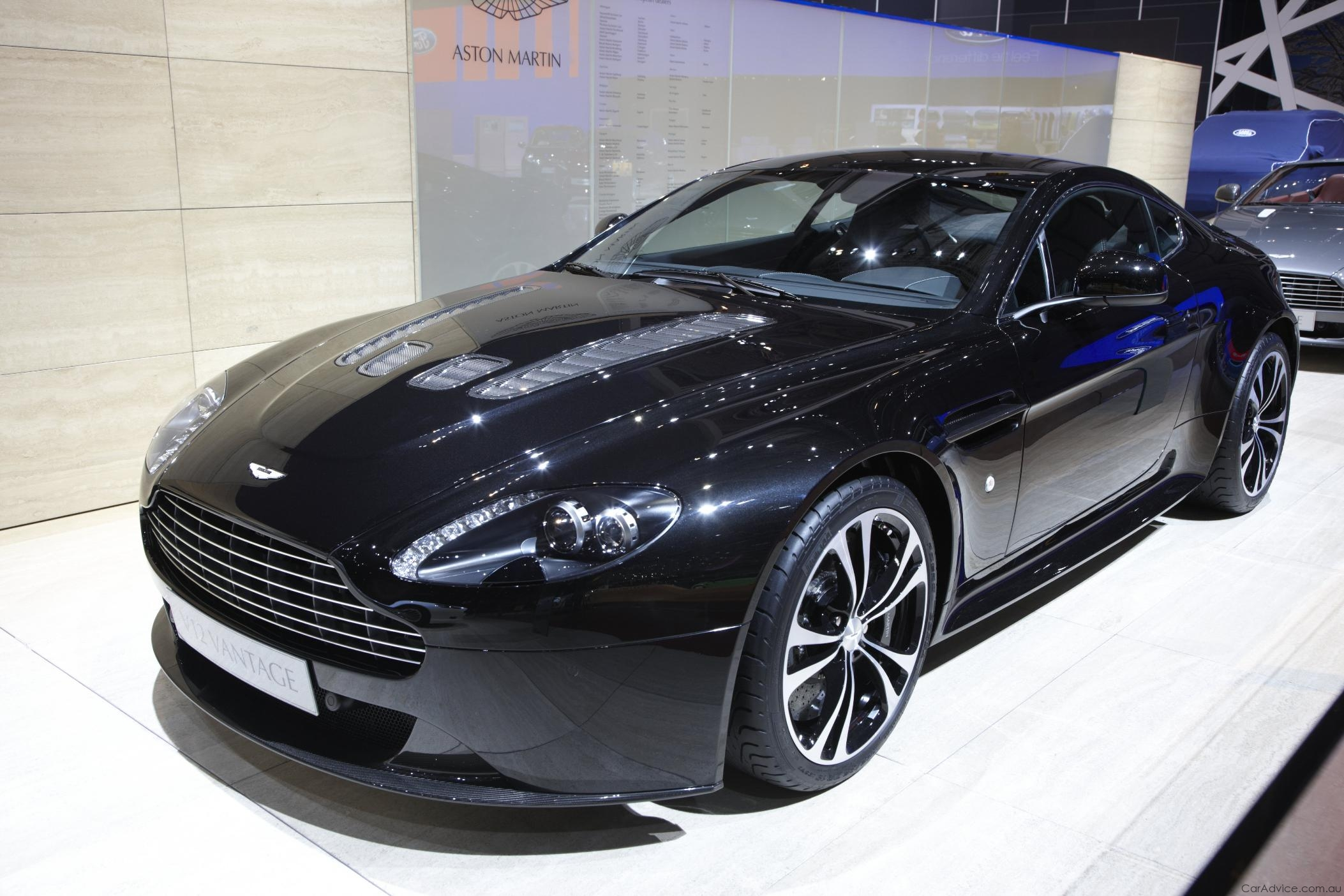 aston martin vantage - review and photos
