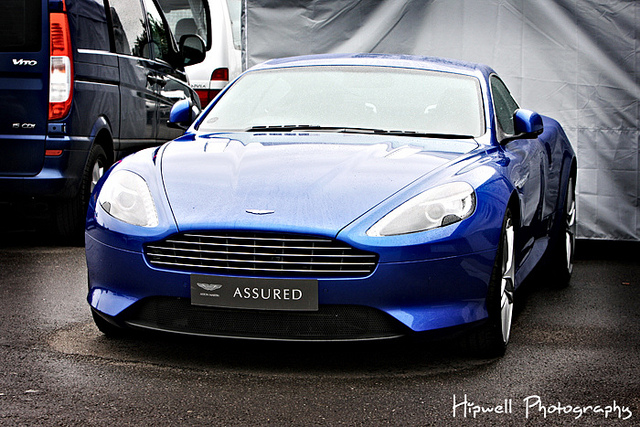 ASTON MARTIN VIRAGE blue