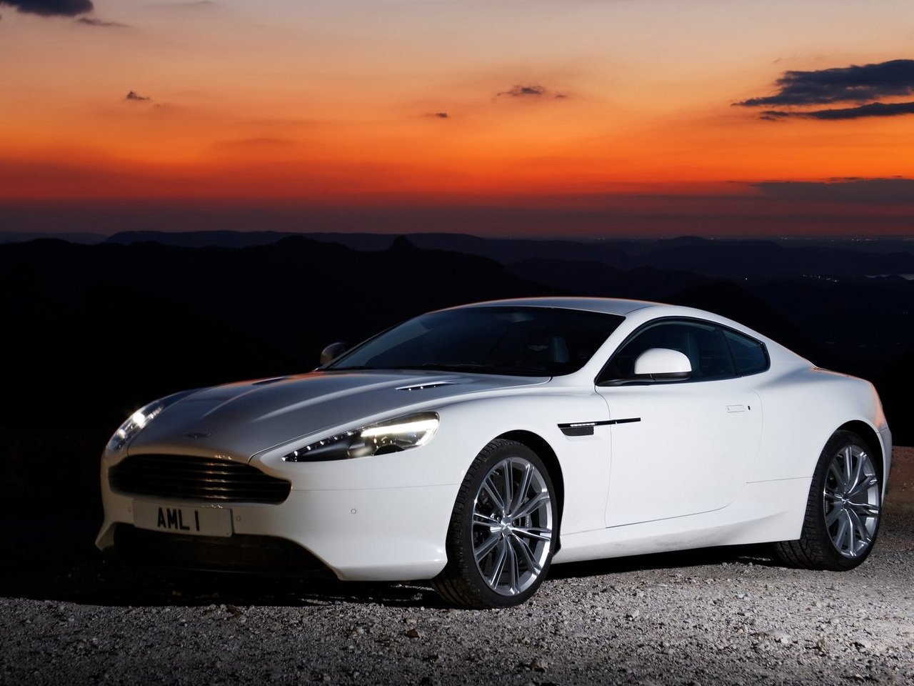 aston martin virage review and photos. Black Bedroom Furniture Sets. Home Design Ideas