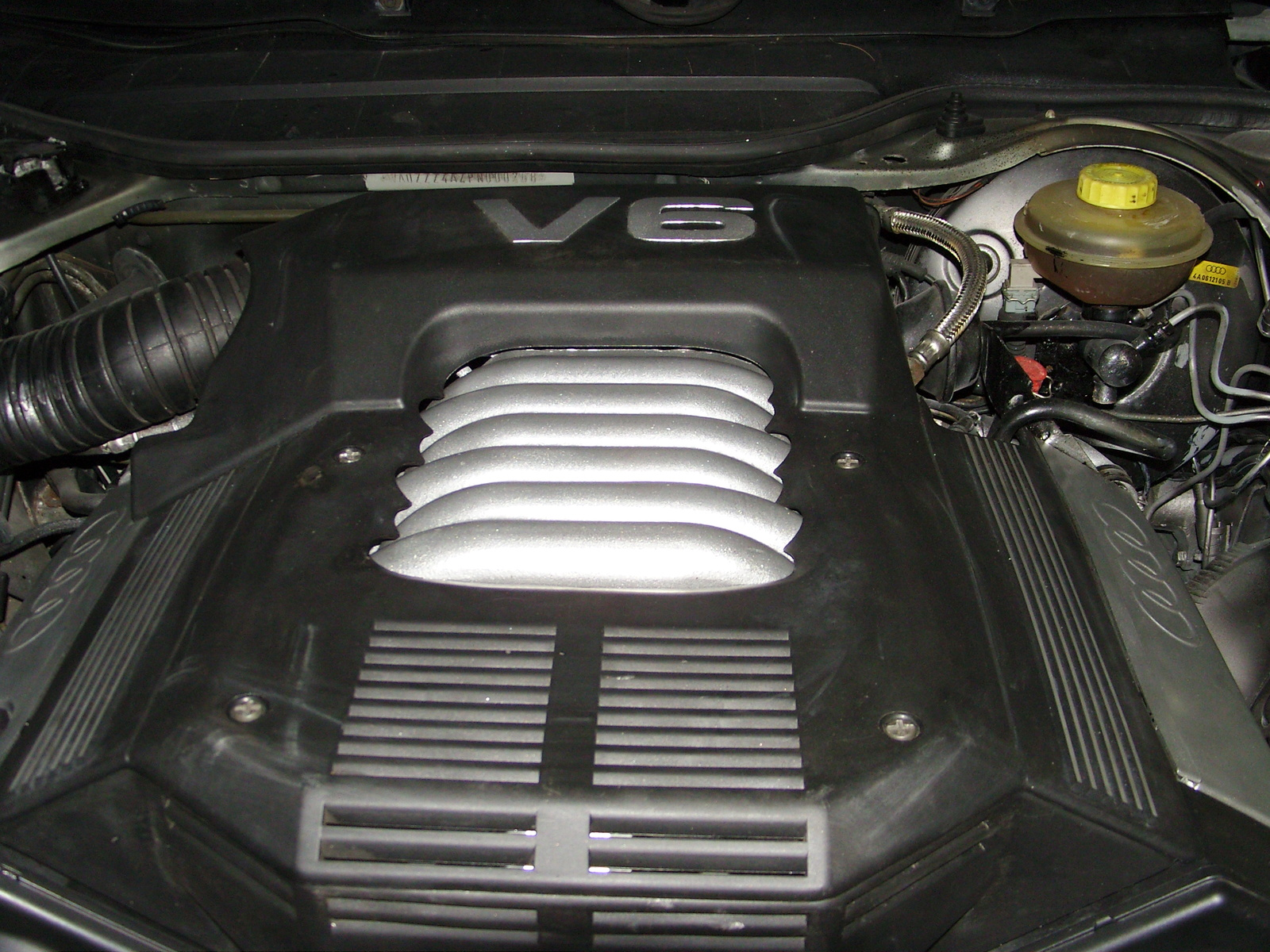AUDI 100 engine