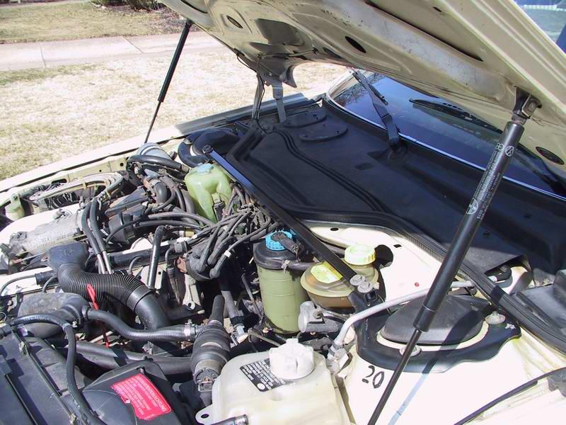 AUDI 200 engine