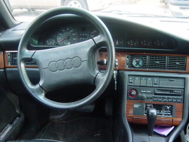 AUDI 200 interior