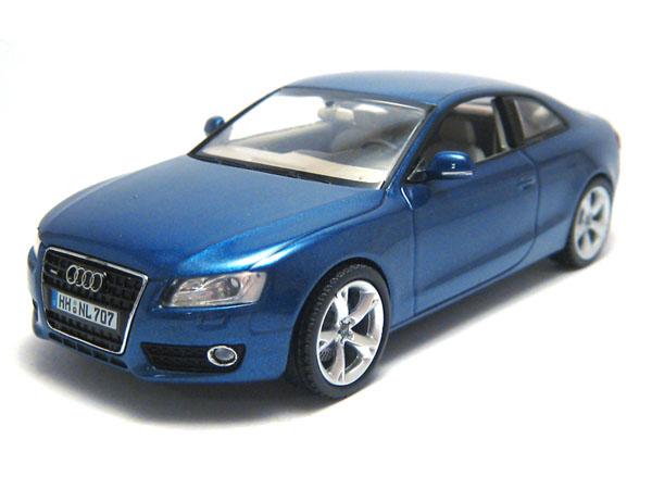 AUDI A 5 blue