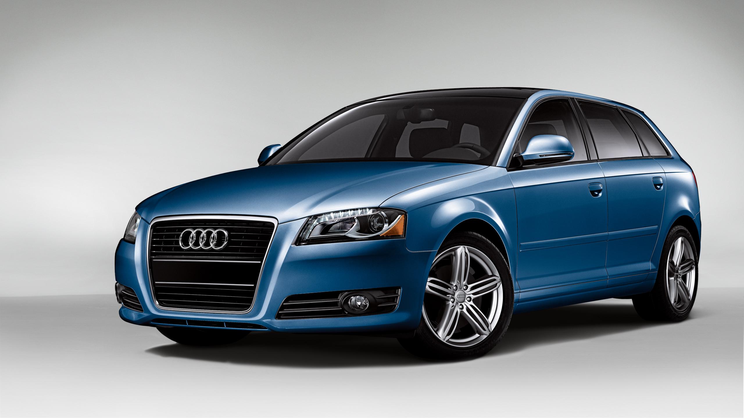AUDI A3 blue