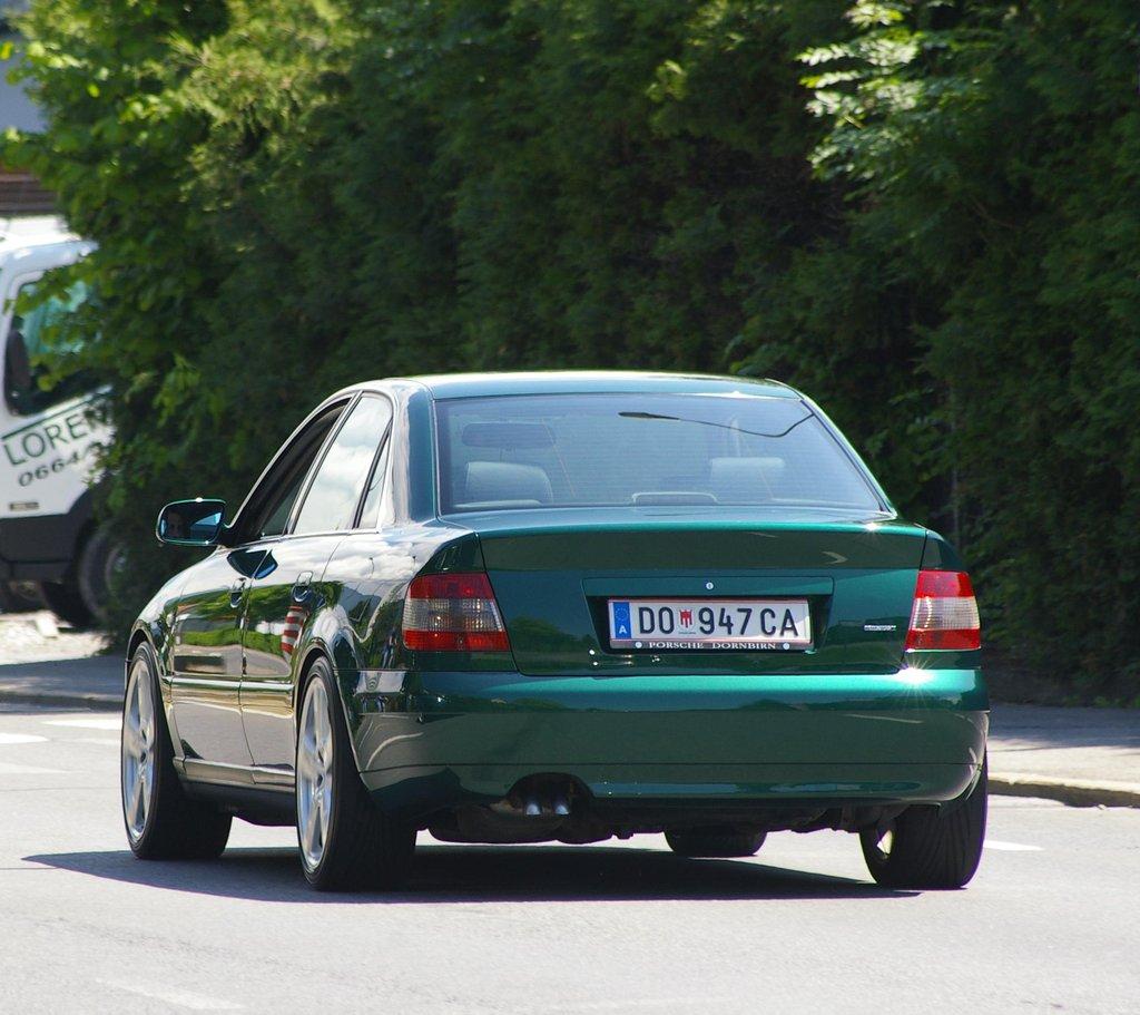 AUDI A4 green