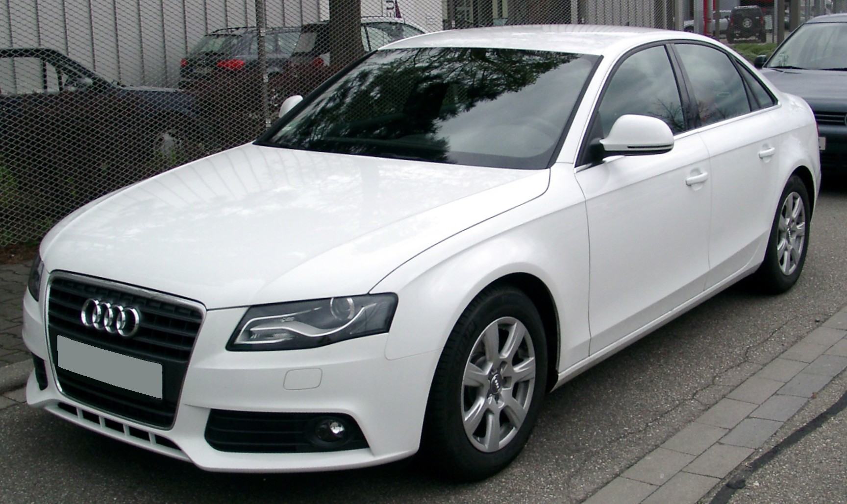 AUDI A4 - Review and photos
