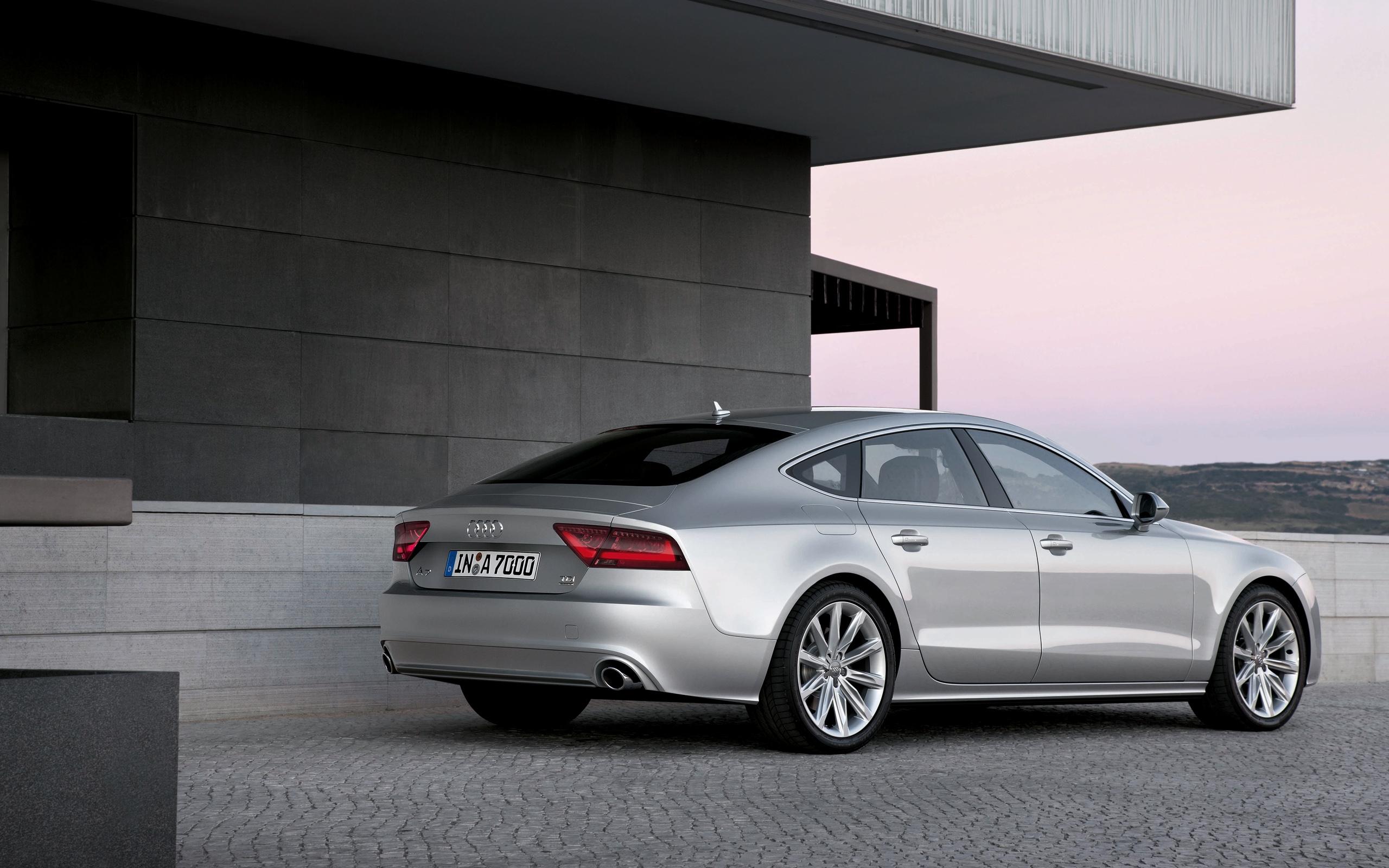 reviews price vs comparison car audi r driving volkswagen road test golf