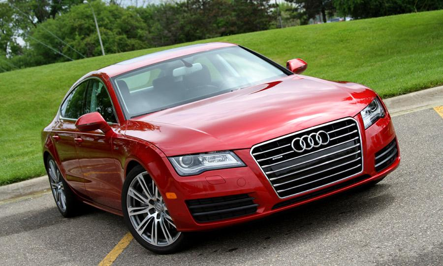 AUDI A7 red