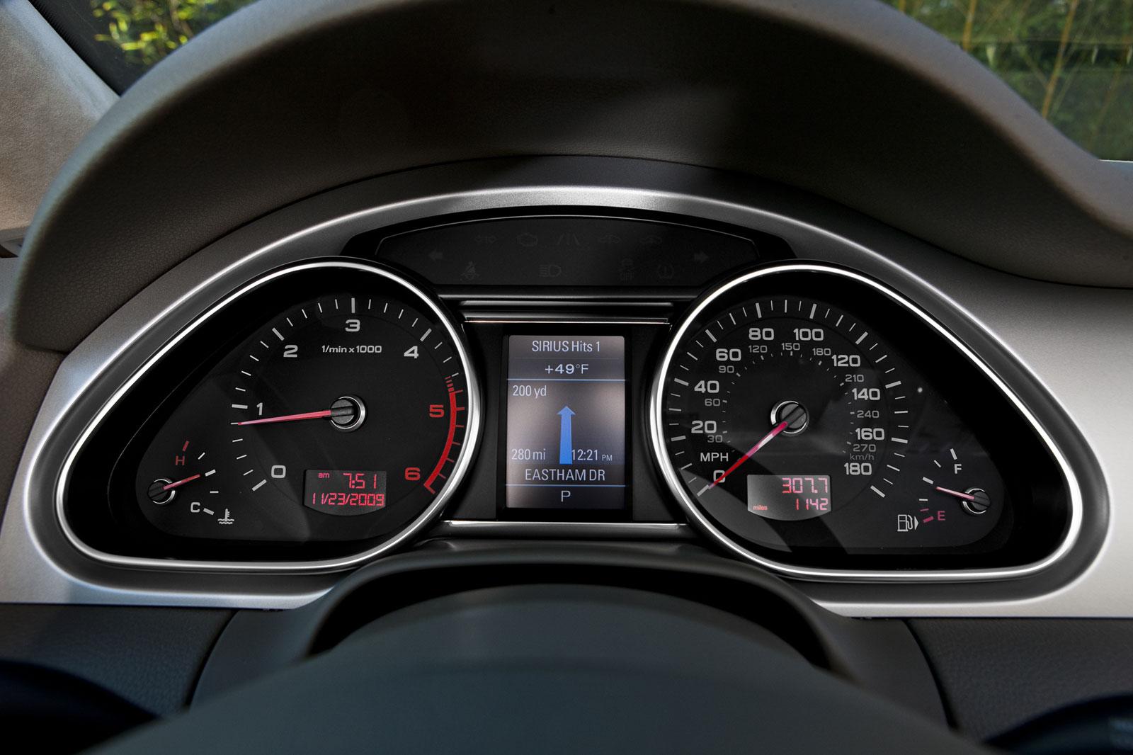 AUDI Q7 3.0 silver