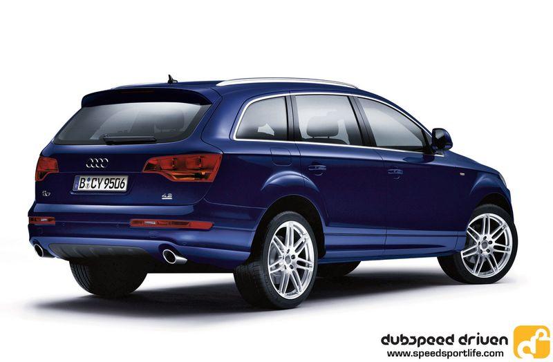 AUDI Q7 blue