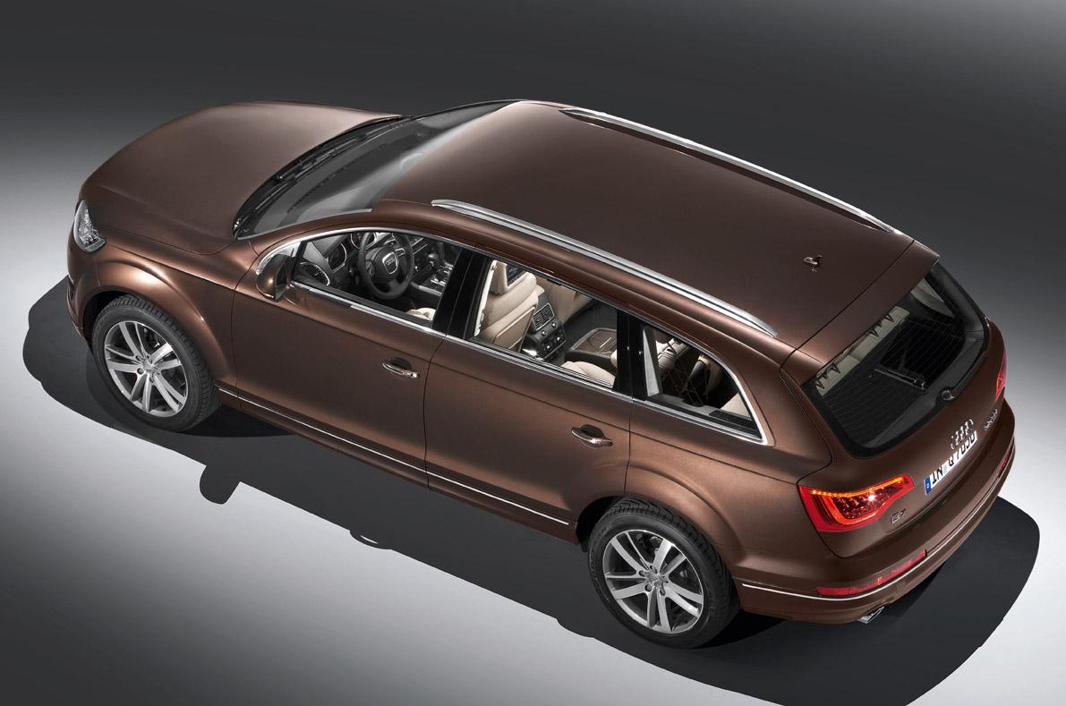 AUDI Q7 brown