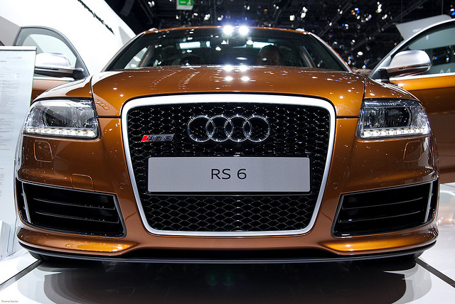 AUDI RS 6 brown