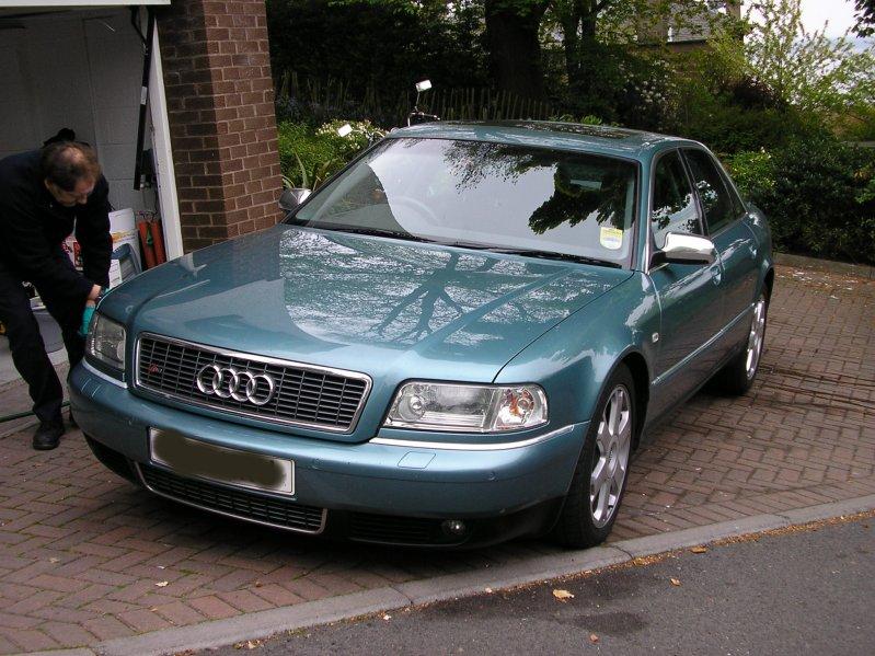 AUDI S8 green