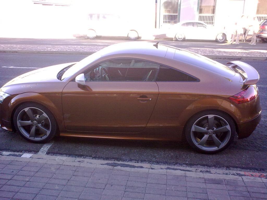AUDI TT brown