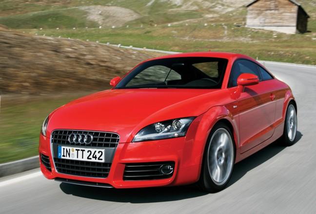 AUDI TT red