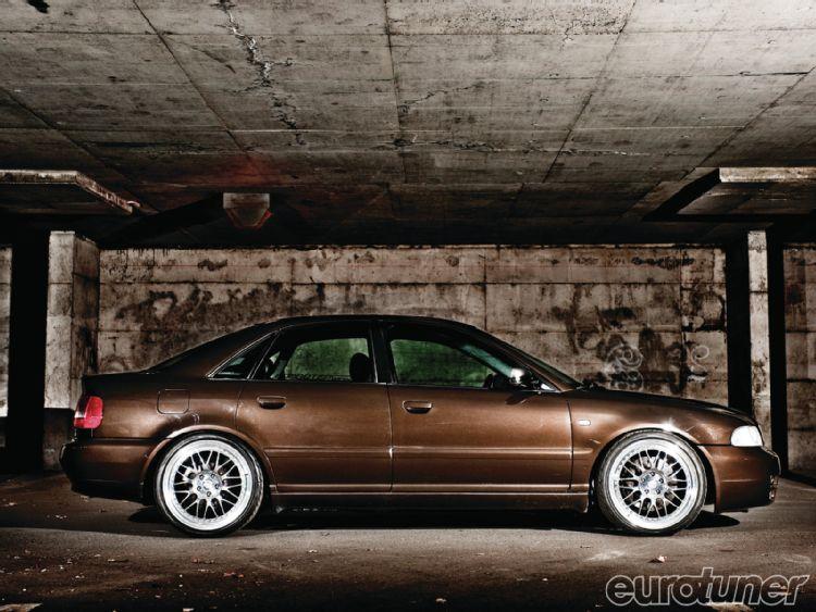 AUDI V8 brown
