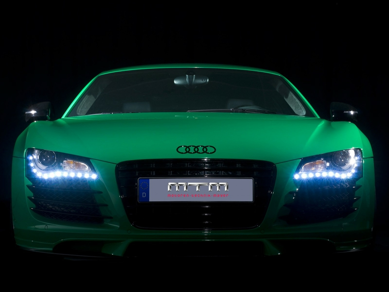 AUDI V8 green